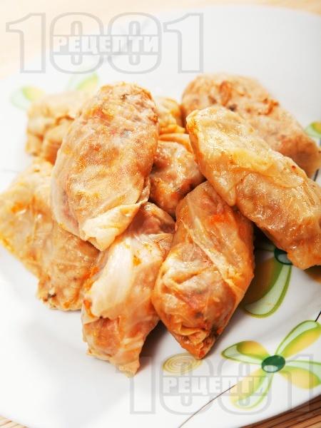 Печени сарми от кисело зеле с кайма и ориз на фурна - снимка на рецептата